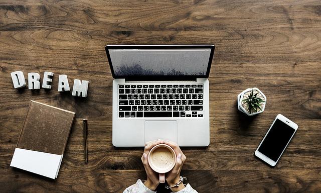 Rzucić pracę i zająć się pisaniem tekstów?